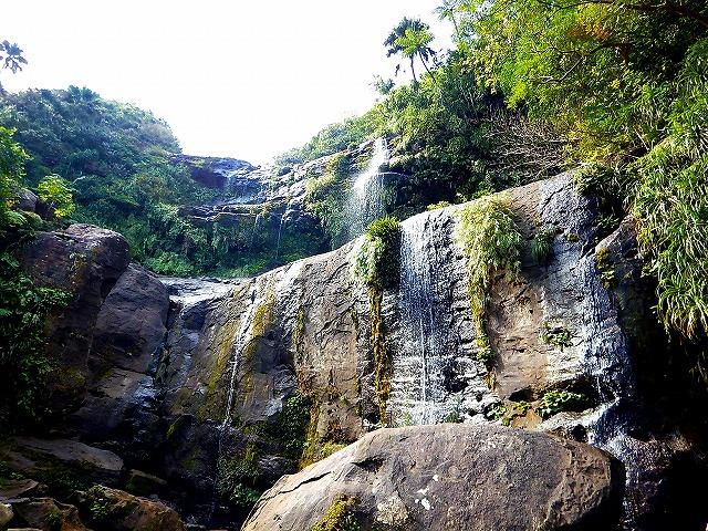ユツン 三段の滝 滝壺