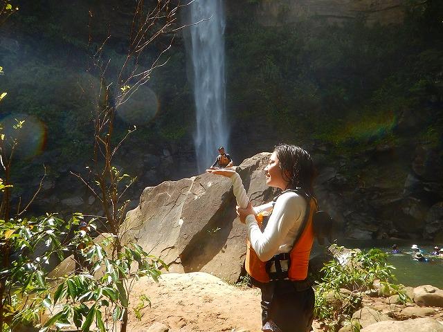 ピナイサーラの滝 滝壺 トリック写真